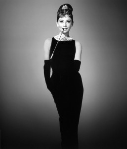 Audrey_Hepburn_little_black_dress_breakfast_at_tiffanys_givenchy-257x300